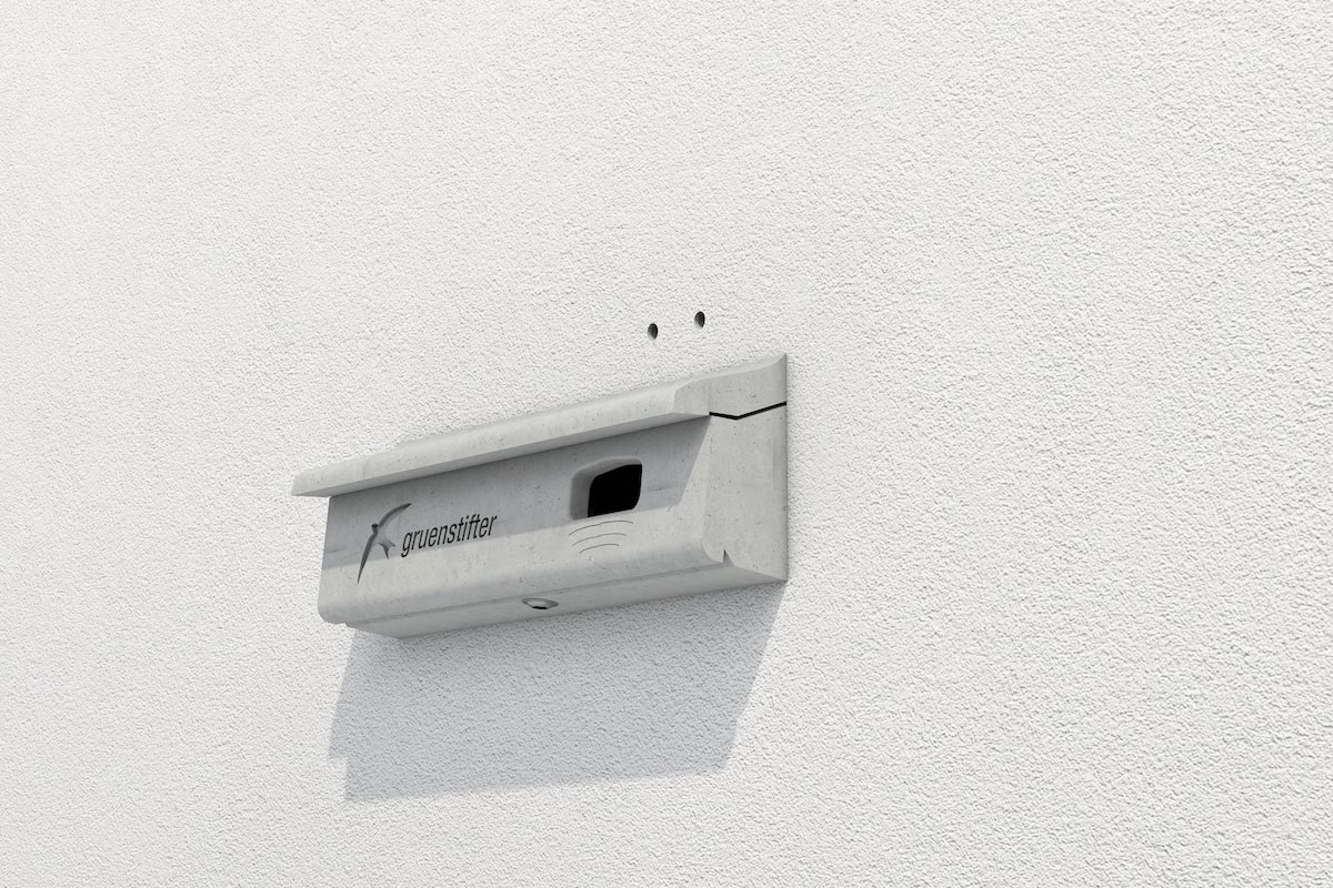 Mauerseglernistkasten in der Wärmedämmung eingebaut