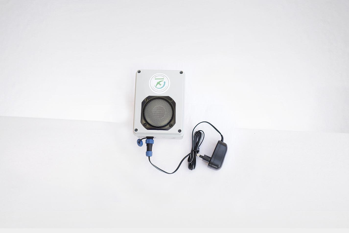 Klangattrappe 230 V Netzanschluss zum Abspielen von Vogelrufen